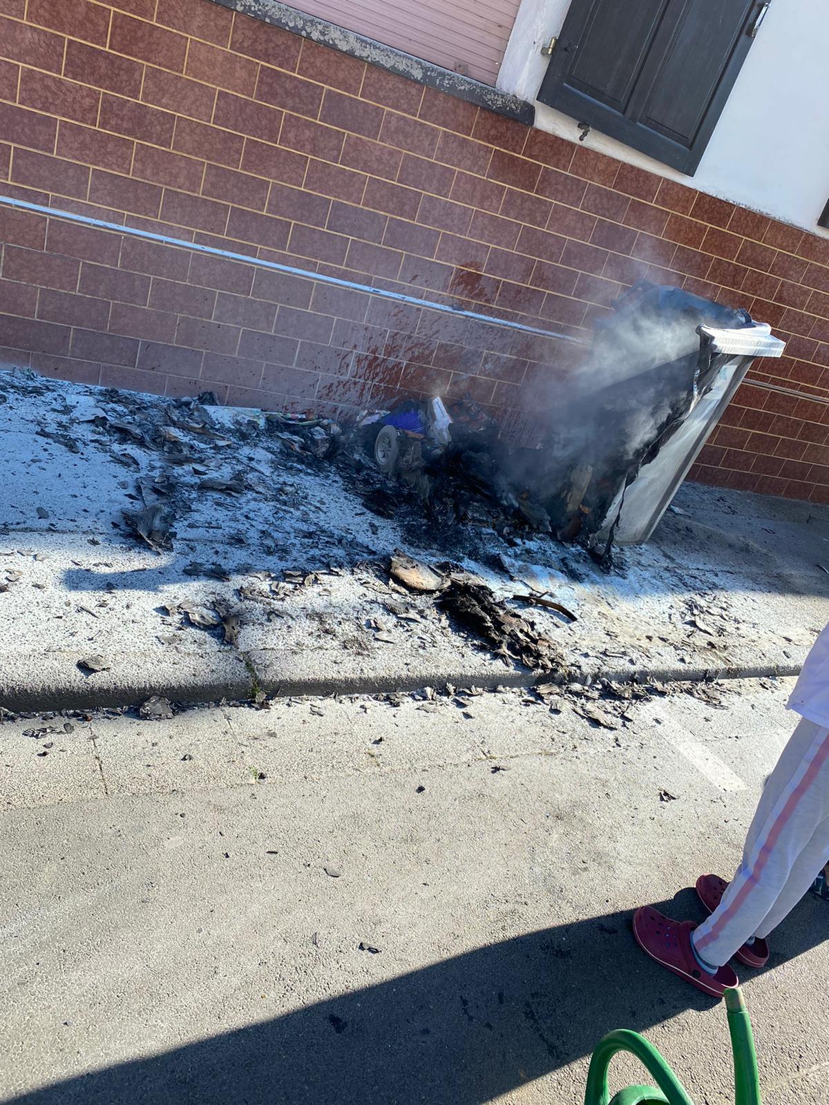 F1 – Brennt Mülltonne